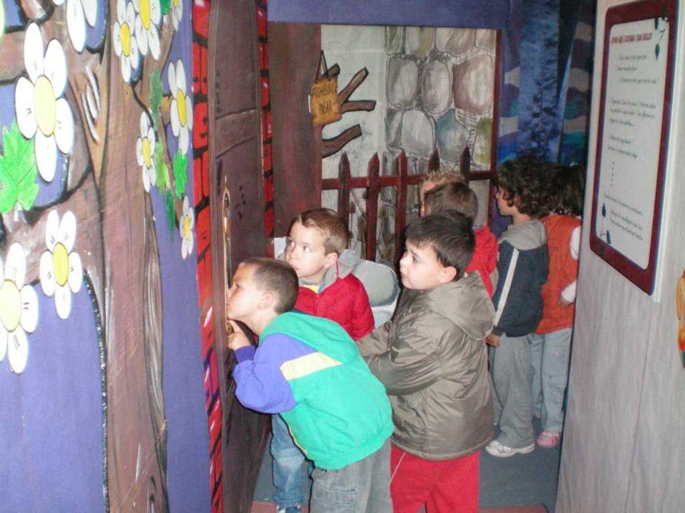 CEIP PADRE MANJÓN BURGOS Varios colegios de Burgos y provincia han visitado el túnel de los cuentos.