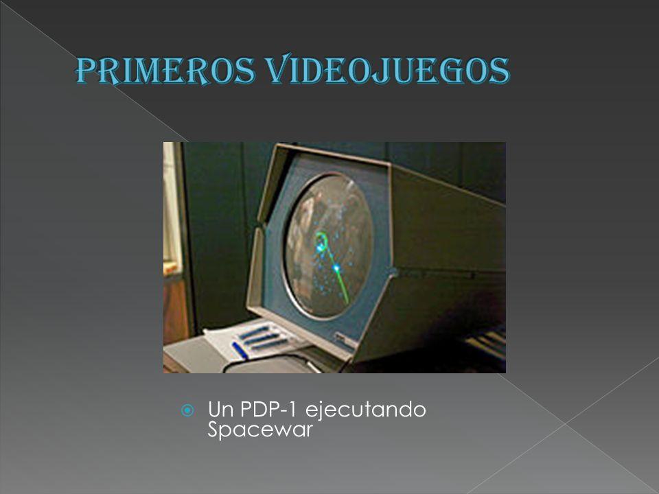 Un PDP-1 ejecutando Spacewar