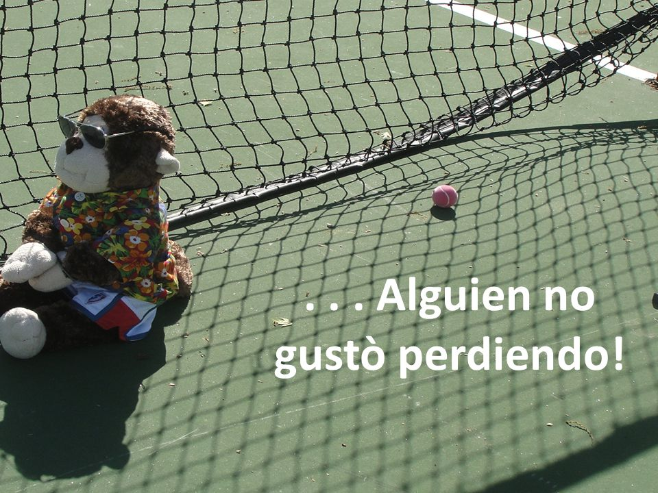Alejandro y yo fuimos a la competencia de tenis. Alejandro buscó el North Haven ganar!