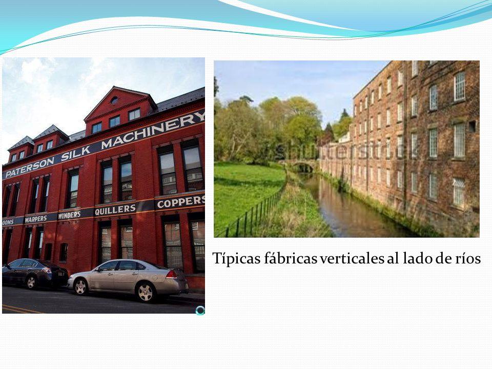 Típicas fábricas verticales al lado de ríos