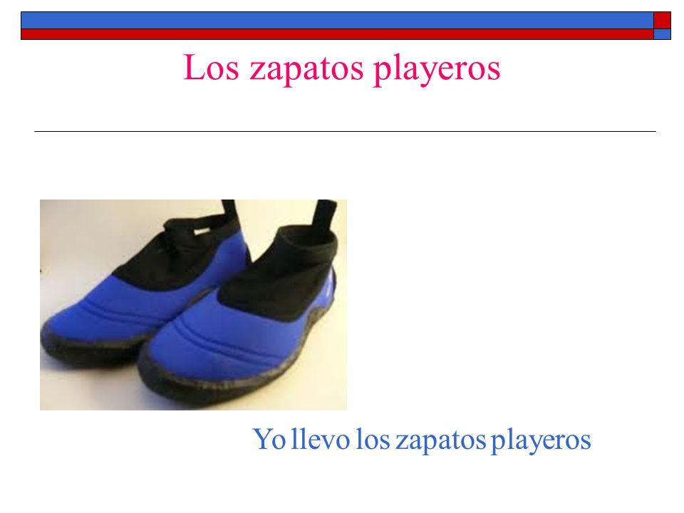 Los zapatos playeros Yo llevo los zapatos playeros