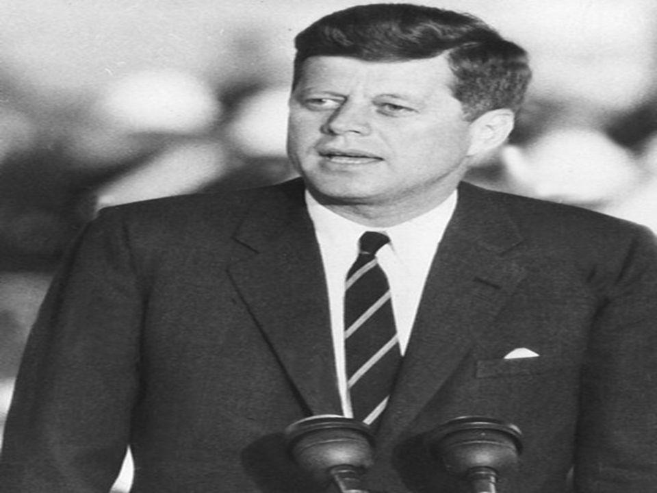 El presidente Kennedy designó a su hermano como Fiscal General de los Estados Unidos.