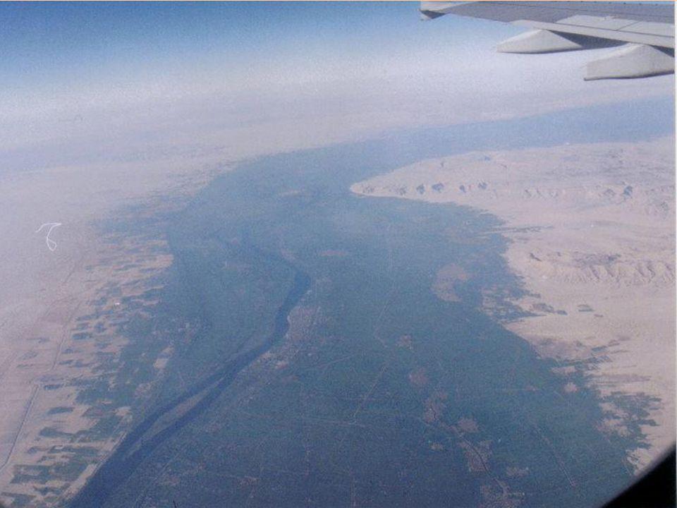 Cada año, tras la inundación del Nilo, los agrimensores debían delimitar nuevamente los campos.