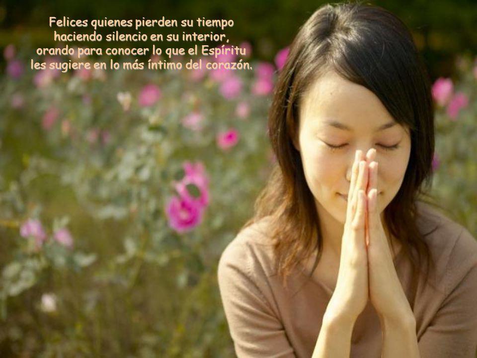 Felices quienes descubren los dones que han recibido del Espíritu, no para regocijarse en ellos, sino para ponerlos al servicio de los demás.