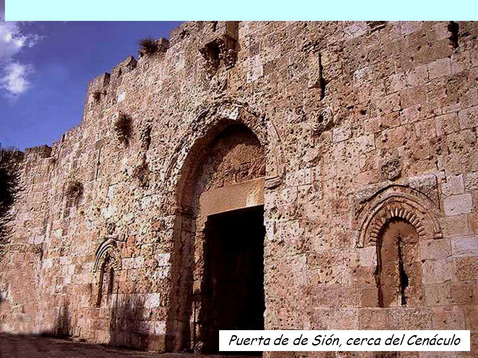 Puerta Dorada.
