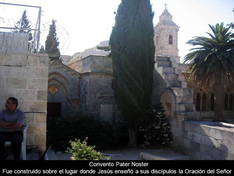 Pintura del Gólgota, el lugar de la ejecución de Jesús. Queda dentro de la iglesia del Santo Sepulcro.