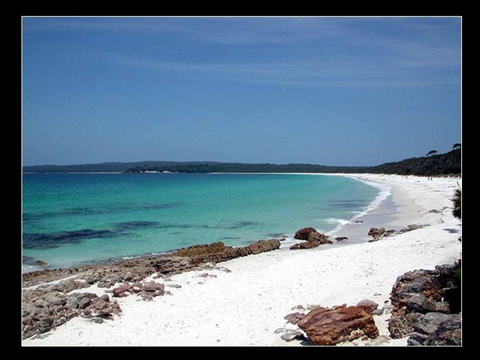 Playa de arena blanca en Australia (Hyams Beach)