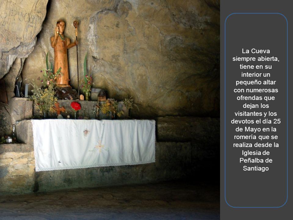 Entrada a la Cueva de San Genadio donde el Santo se retiró a meditar. Cuenta la leyenda que tal era su deseo de recogimiento y paz que ordenó a las ag
