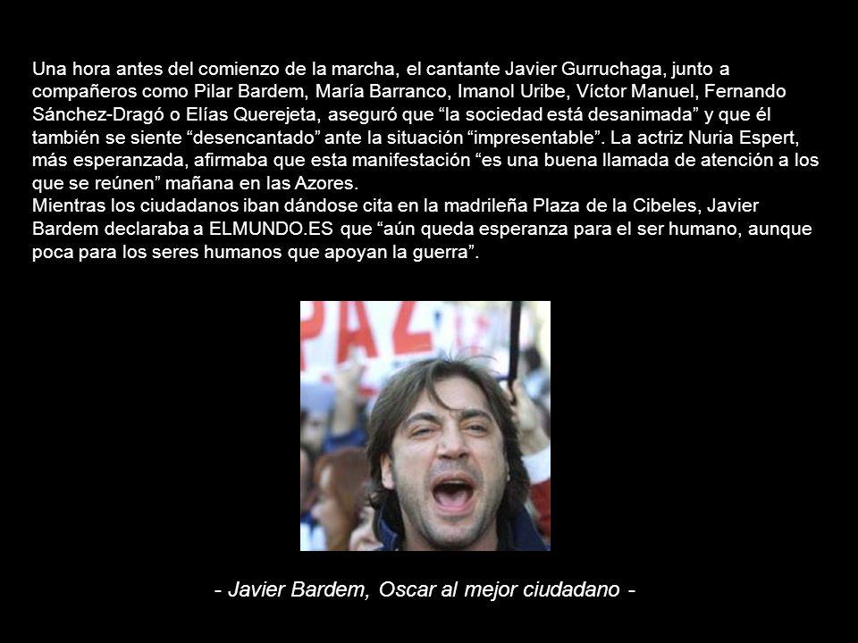 La cabecera de la manifestación, compuesta por tres pancartas en las que se lee No a la intervención de España, No a la guerra y Paremos la guerra con