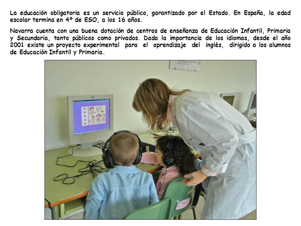 La educación obligatoria es un servicio público, garantizado por el Estado.