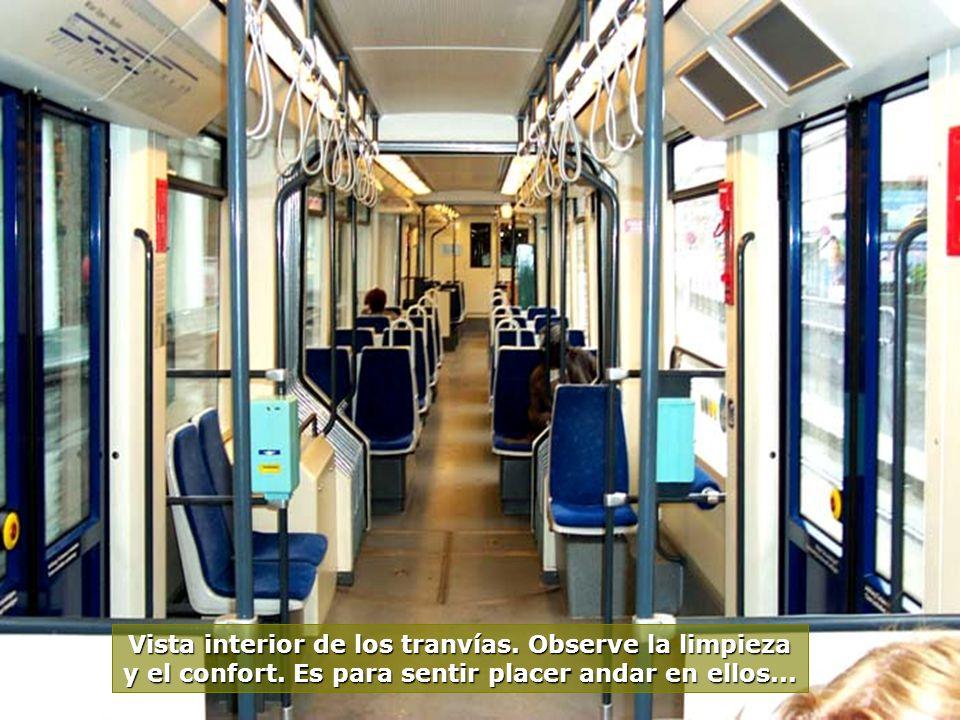 www.vitanaoblepowerpoints.net...lo realmente bueno es ir en tranvía. Una hora de Viena a Baden, por apenas E$ 3,00, ellos parecen flotar sobre las vía