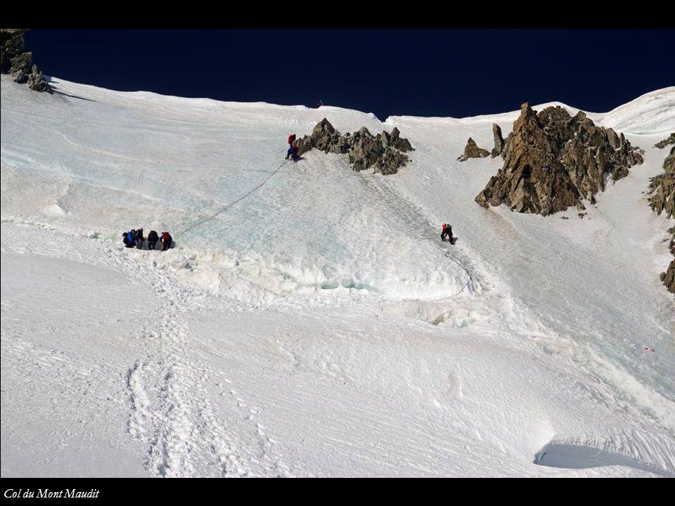 Mont Maudit desde el hombro del Tacul Col de Mont Maudit