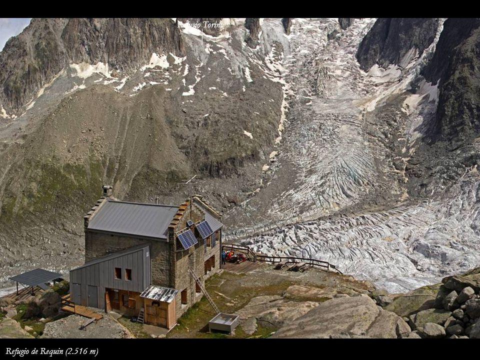 La Ruta de los Cuatromiles desde la Aiguille du Midi Refugio de Cosmiques Mont Blanc du Tacul Mont Blanc Mont Maudit Les Bosses Ref.