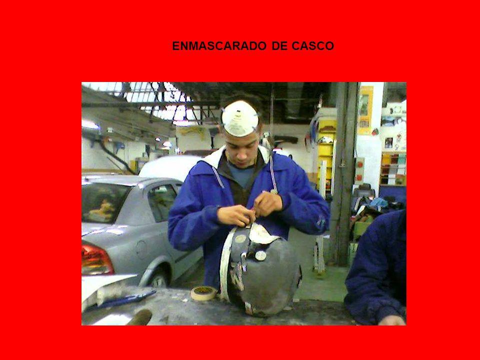 ENMASCARADO DE CASCO