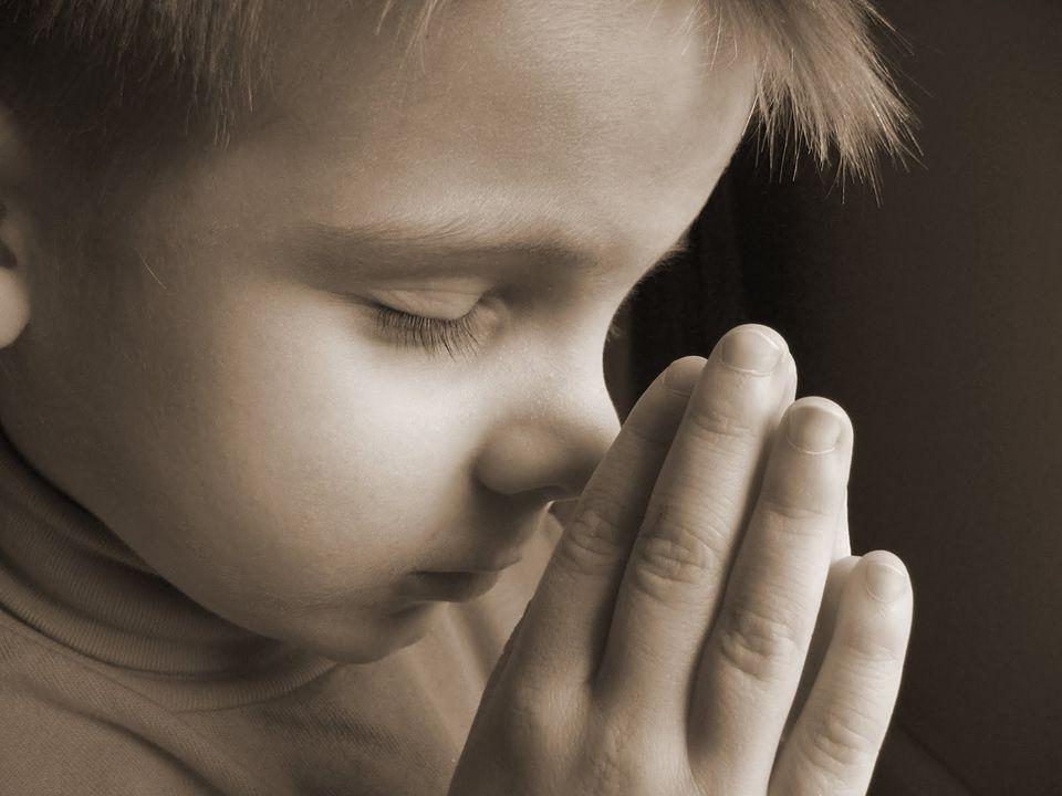 ROMPE A GOLPES TU SILENCIO Y ECHA TU CANCION AL VIENTO QUE NO HAY CADENAS QUE CALLEN LA VOZ DE TU SENTIMIENTO LA, RA, LA, RA, LA, LA,...
