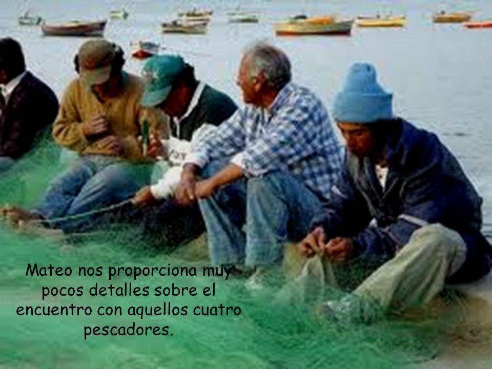 En segundo lugar, llama a sus primeros discípulos para enseñarlos a pescar hombres en lugar de peces.