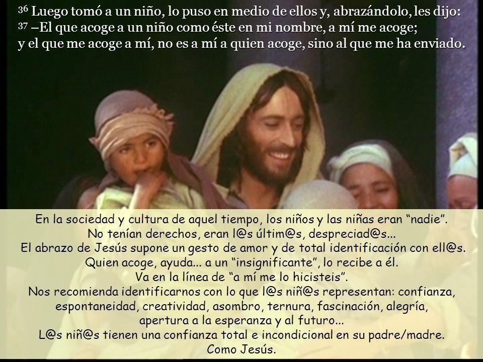 35 Jesús se sentó, llamó a los doce y les dijo: –El que quiera ser el primero, que sea el último de todos y el servidor de todos. A la pregunta de qui