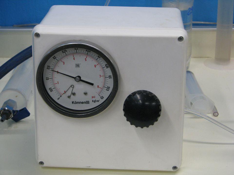 8 Dirección de la inyección Permeabilidad del medio poroso @ Swirr K = 1.12 D Ingresan 20 cm 3 de agua por Imbibición Dirección de la inyecciónPresión Umbral = 2.0 psi K = 0.001 D K = 1.12 D K = 0.007 D Valores estabilizados … Superar la Pu no es suficiente!