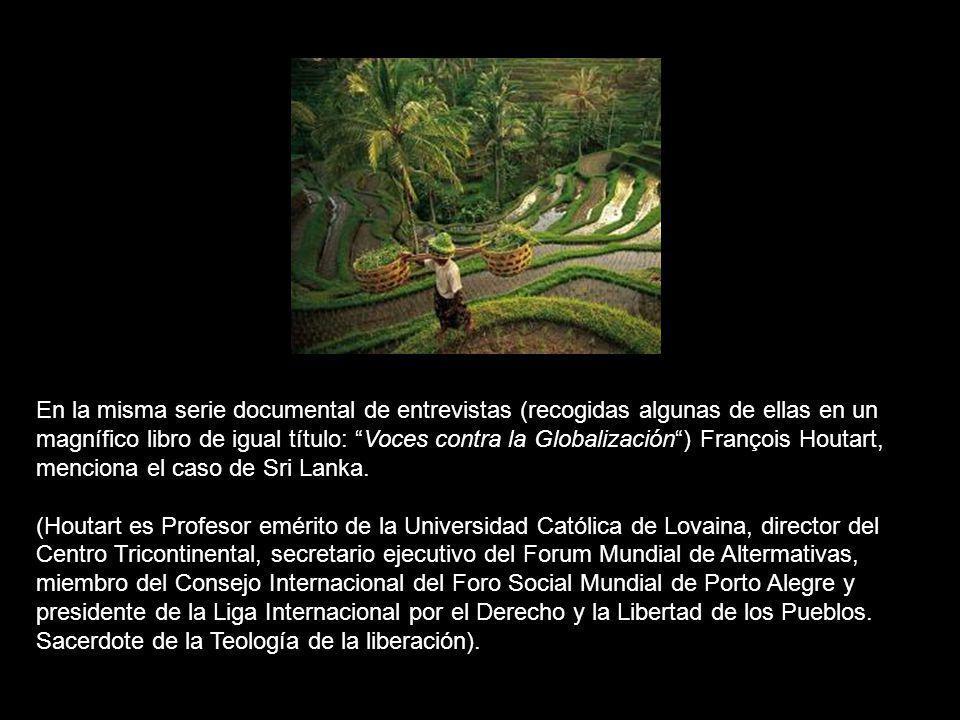 Eduardo Galeano, habla también del caso de Haití en Voces contra la Globalización: No hace mucho tiempo hubo un naufragio que no fue noticia en los diarios.