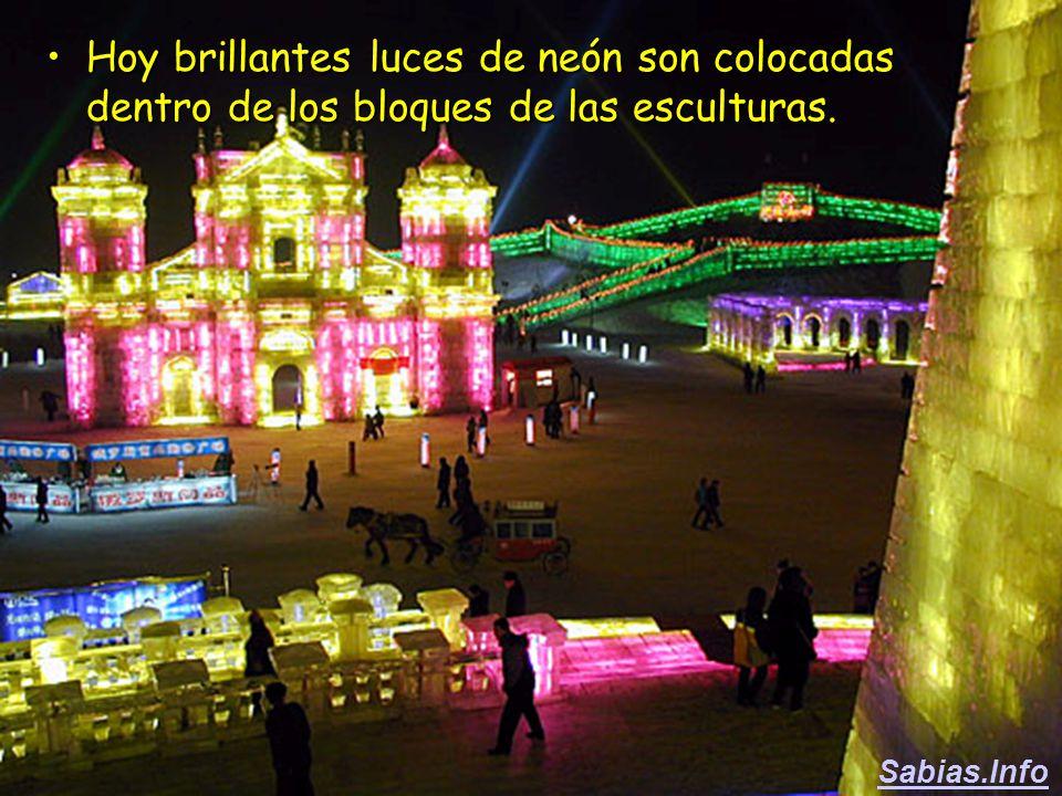 En la época de la dinastía Manchu (1644 -1912) las figuras eran iluminadas con velas.En la época de la dinastía Manchu (1644 -1912) las figuras eran i