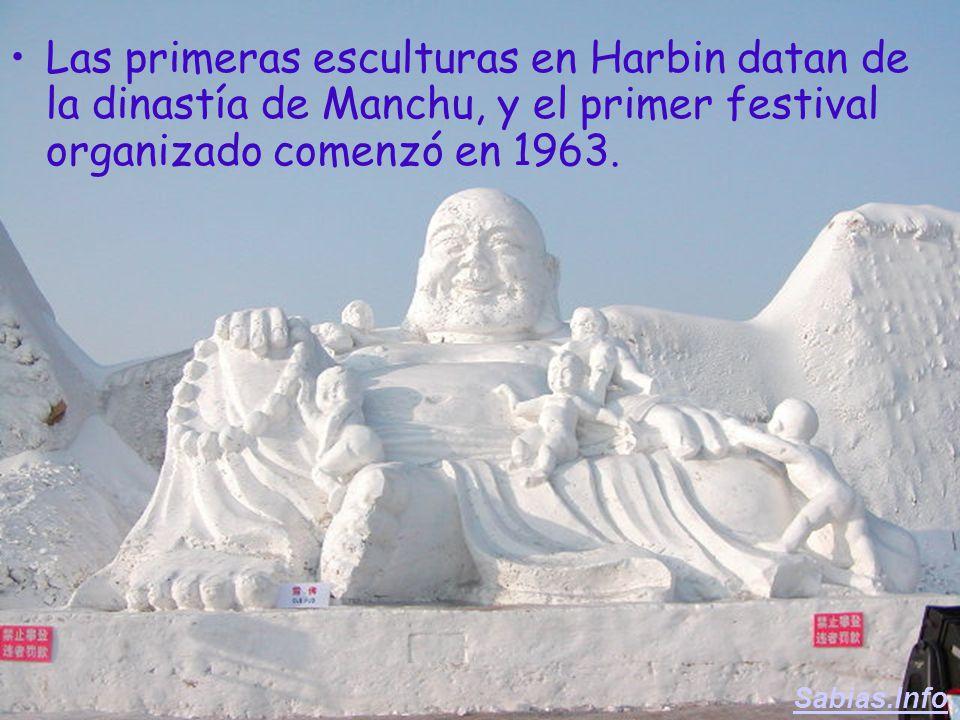 El festival del hielo tiene lugar en campos inmensos en el Parque de la Isla del Sol, al norte del río Harbin, Songhua Jiang.