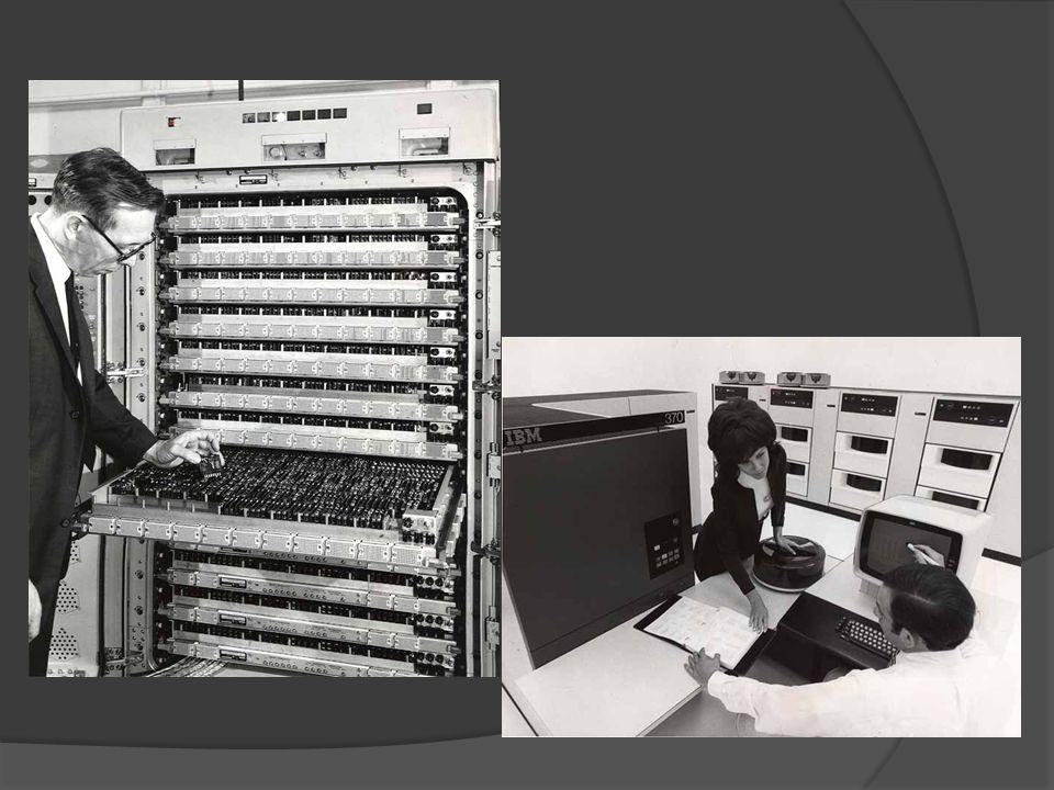 Una computadora portátil, también llamado laptop o notebook, es una pequeña computadora personal móvil, que pesa normalmente entre 1 y 3 Kg.Kg Los computadores portátiles son capaces de realizar la mayor parte de las tareas que realizan las computadoras de escritorio, con la ventaja de ser más pequeños,computadoras de escritorio livianos y de tener la capacidad de operar desconectados por un período determinado.