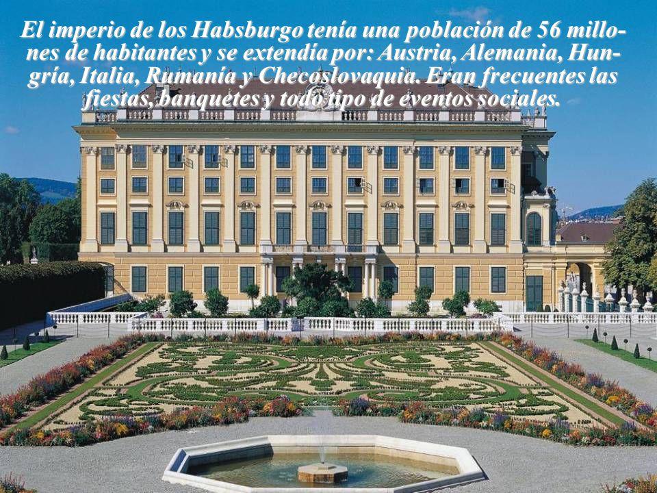 Cuando Mª Teresa murió, el Palacio quedó desocupado.