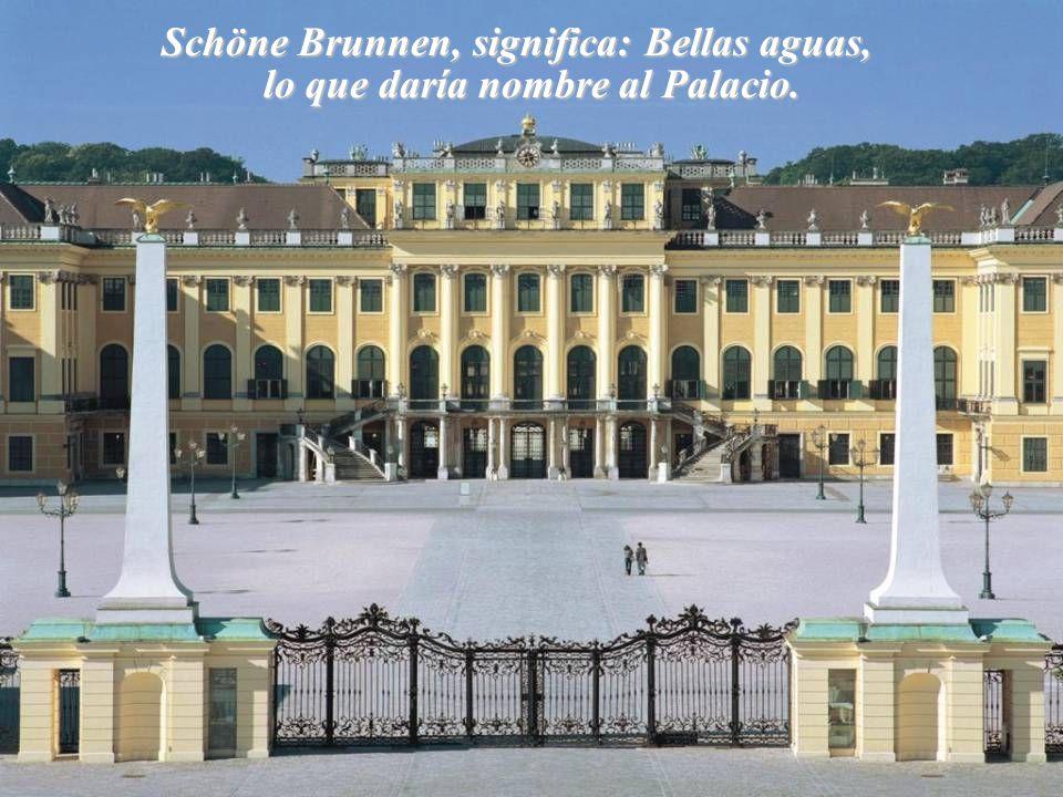Schöne Brunnen, significa: Bellas aguas, lo que daría nombre al Palacio.