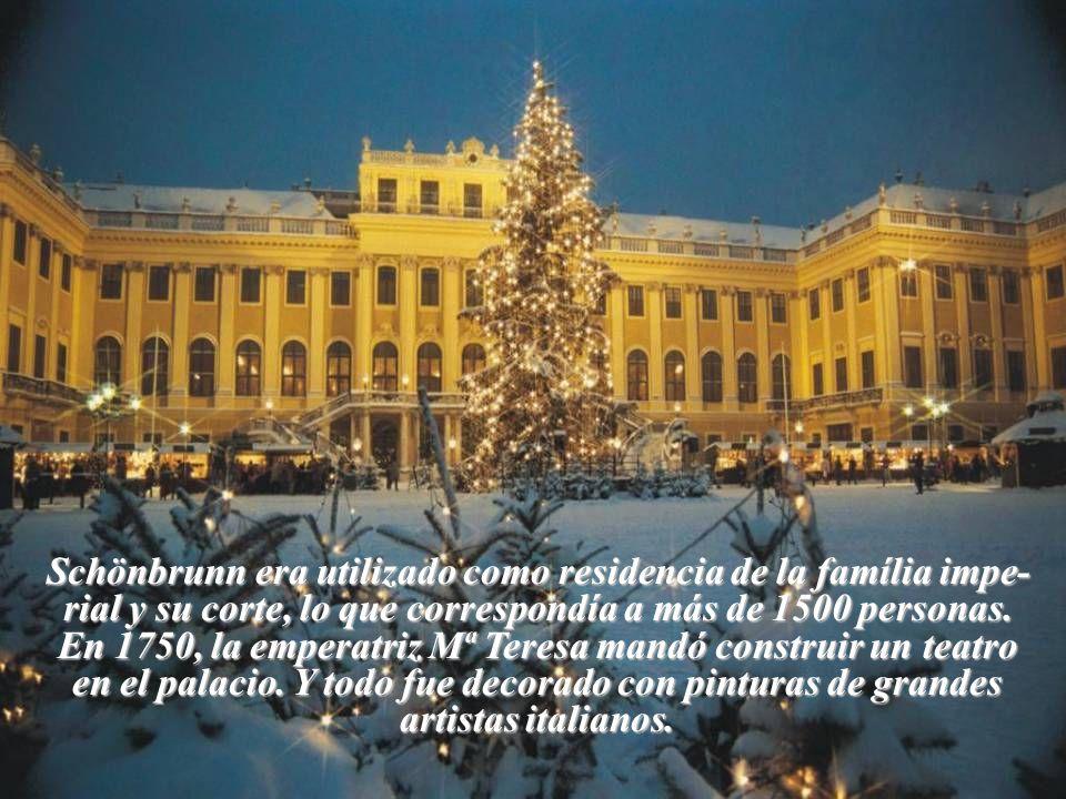 Schönbrunn era utilizado como residencia de la família impe- rial y su corte, lo que correspondía a más de 1500 personas.