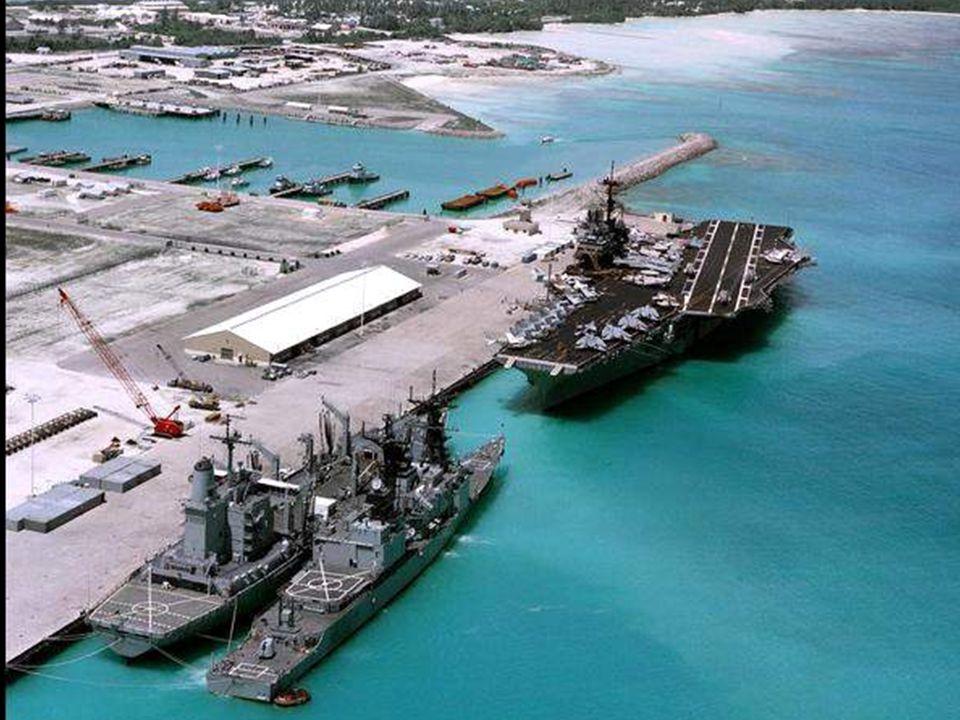 La isla es un territorio británico de ultramar, situado en el archipiélago de Chagos, en el océano Índico.