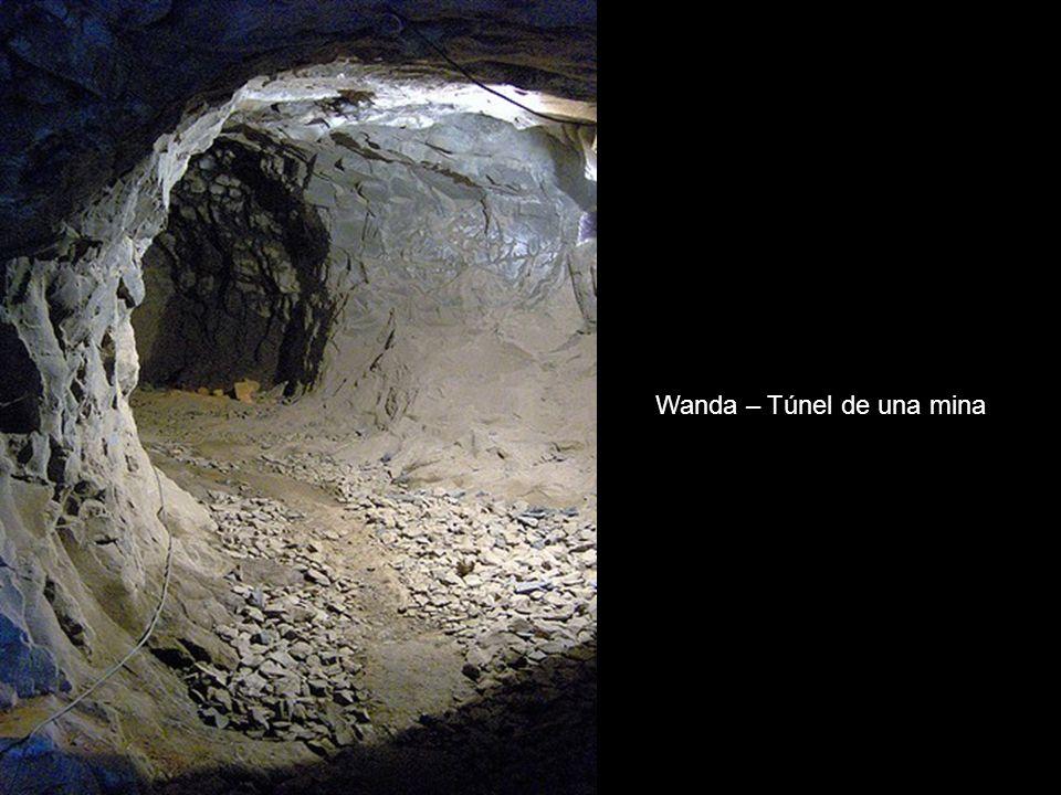 Wanda – Mina de piedras semi-preciosas