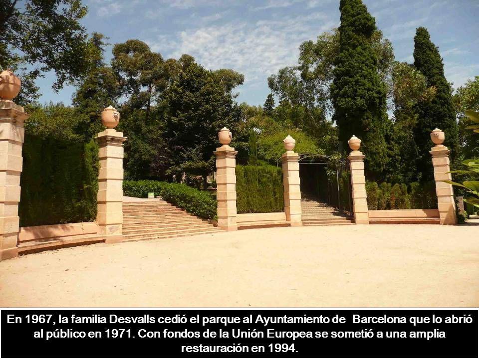 El parque es un jardín-museo con un número de visitantes limitado (máximo 750 personas al mismo tiempo), para preservar el ámbito natural y las estruc