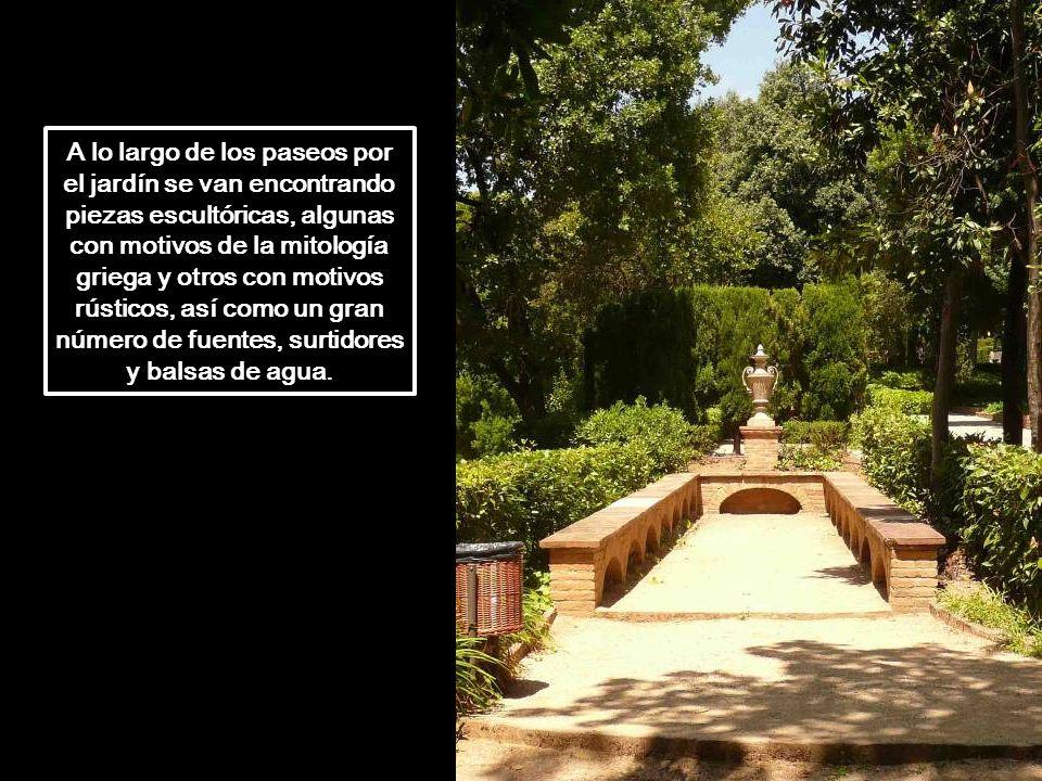 En 1967, la familia Desvalls cedió el parque al Ayuntamiento de Barcelona que lo abrió al público en 1971. Con fondos de la Unión Europea se sometió a