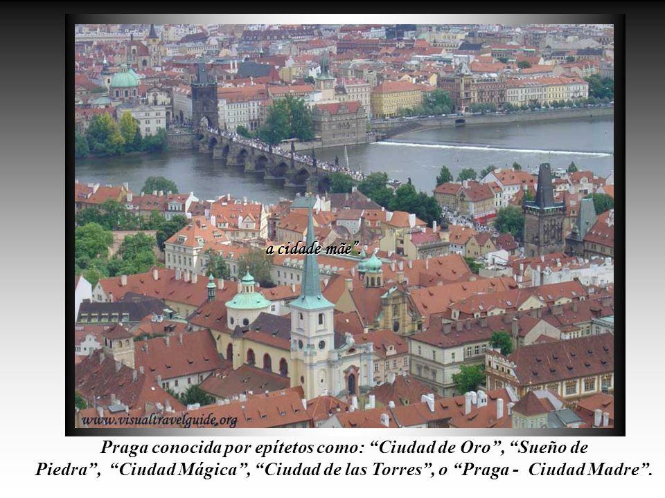 PRAGA, Capital de La República Checa, una ciudad moderna y al mismo tiempo, una verdadera relíquia de Arquitetura.