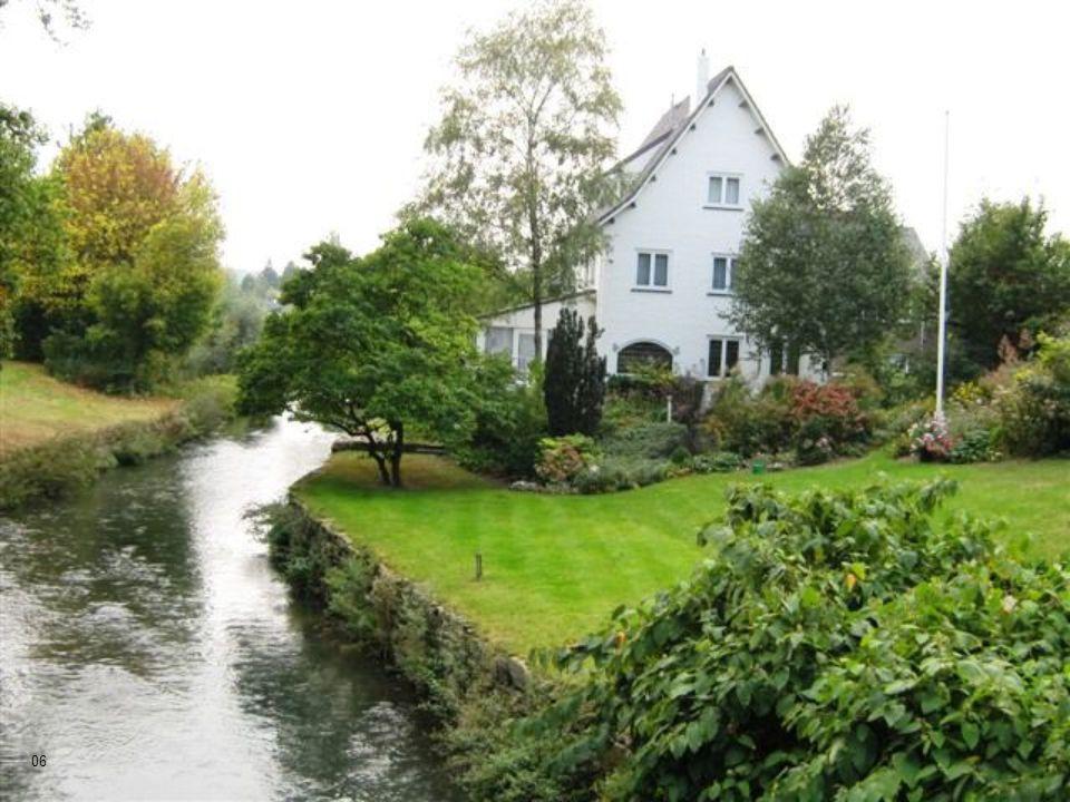 Localizada en el extremo sur de Holanda, muy próxima a Bélgica y a Alemania. 05