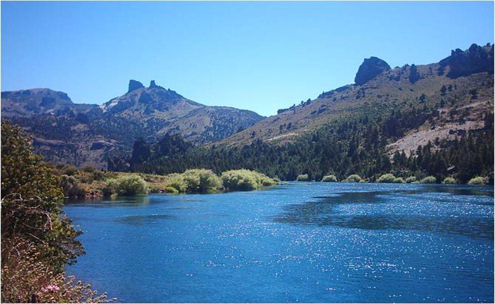CONFLUENCIA VALLE ENCANTADO es el paraje donde se encuentran dos de los ríos mas caudalosos que surcan esta región, el Limay y el Traful. Sin embargo,