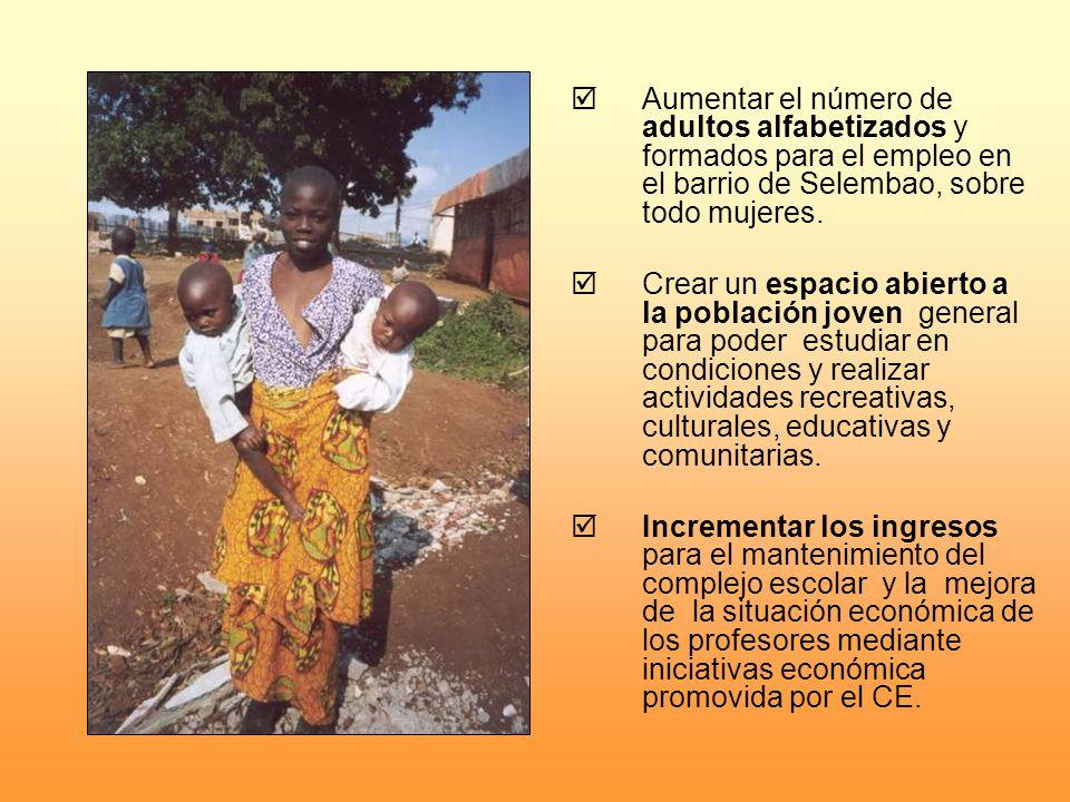 Aumentar el número de adultos alfabetizados y formados para el empleo en el barrio de Selembao, sobre todo mujeres. Crear un espacio abierto a la pobl