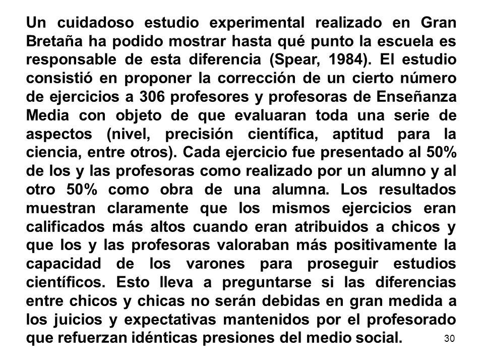 29 Sexismo El sexismo es una concepción de la sociedad fundada en la idea de que existe una diferencia de esencia entre los hombres y las mujeres que implica calidades naturales específicas y una complementariedad de los papeles sociales (analizar cuadro anterior).