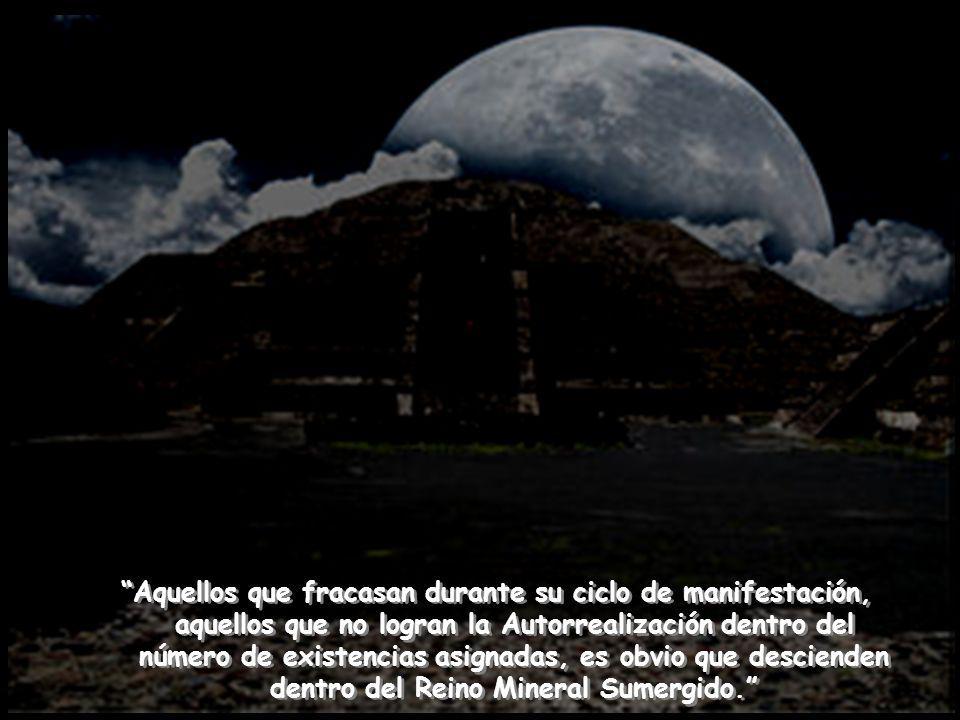 Desafortunadamente no a todas las Chispas Virginales les interesa la Maestría; la mayor parte, los millones de criaturas que viven sobre la faz de la Tierra, prefieren el Sendero del Caracol, el Camino Lunar.