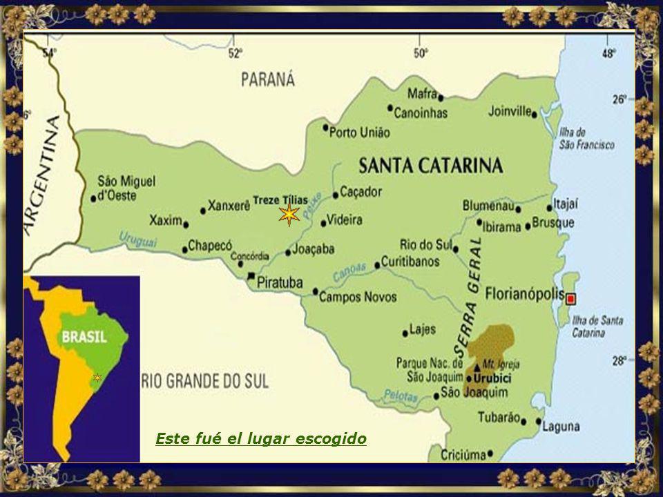 Después de investigar varios países suramericanos, la decisión recayó sobre el interior del Estado de Santa Catarina, en Brasil, dada la belleza de la