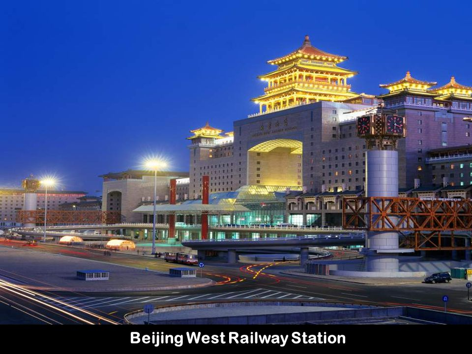 Con la apertura del ferrocarril y el nuevo aeropuerto de Nyingchi, los turistas inundan el Tíbet.