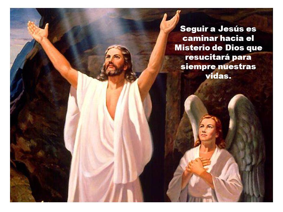 Vivir pensando en los que sufren, estar cerca de los desvalidos, echar una mano a los indefensos… seguir los pasos de Jesús, no es algo absurdo.