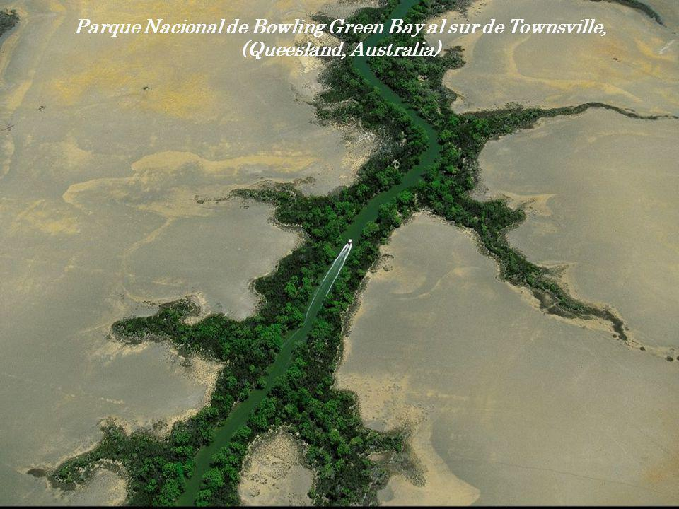 Parque Nacional de Bowling Green Bay al sur de Townsville, (Queesland, Australia)