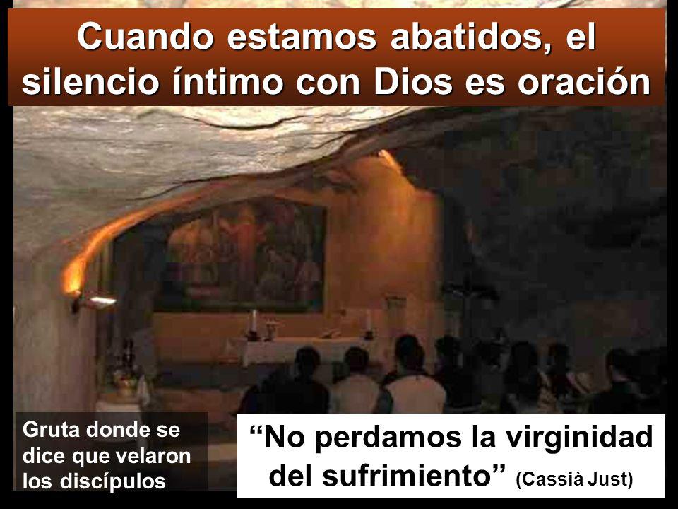 GETSEMANÍ Fueron a un huerto, que llaman Getsemaní, y dijo a sus discípulos: Sentaos aquí mientras voy a orar. Se llevó a Pedro, a Santiago y a Juan, empezó a sentir terror y angustia, y les dijo: Me muero de tristeza; quedaos aquí velando.