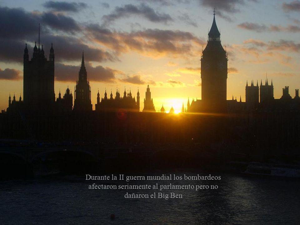 Se trata del reloj más grande de la Gran Bretaña. Cada cara de su reloj mide 7,5 metros de diámetro y el minutero mide casi 5. Esta aguja se hizo de c