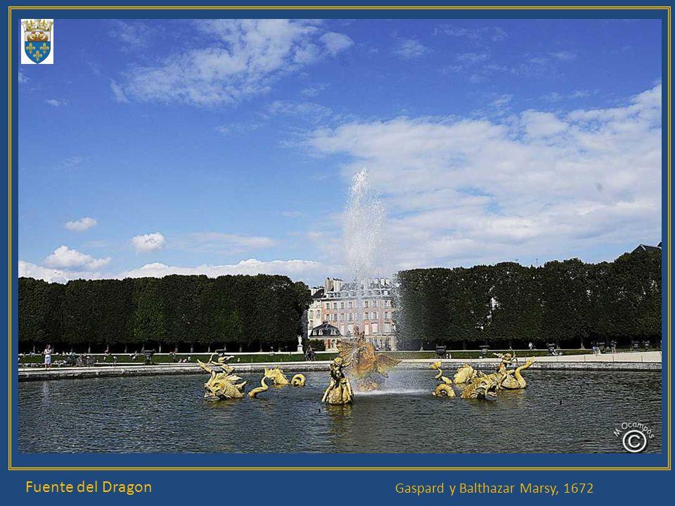 Paseo del Agua, Baño de las ninfas, Fuente de la Pirámide Pierre Le Gros. Etienne Le Hongre, Edme Bouchardon 1670, François Girardon 1670