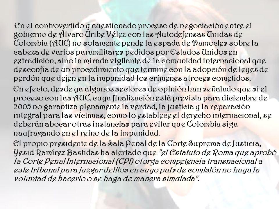 Haciendo frente a semejante amenaza, Colombia ha sido capaz de hacer crecer su economía a ritmos superiores que sus vecinos; insertarse en los flujos de comercio globales; atraer inversión extranjera; mejorar sus indicadores sociales; tener medios de comunicación fuertes, críticos y actuantes, y lo más significativo es que hizo todo lo que hizo dentro del marco de la democracia, con elecciones cada cuatro años y sin que se haya presentado un golpe de Estado.