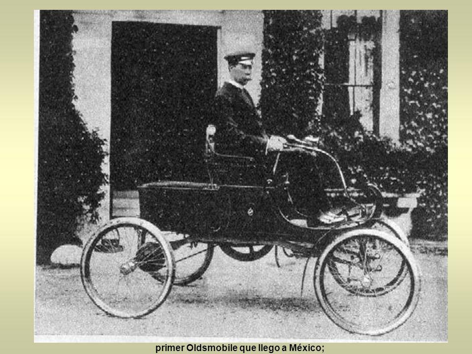 Las carreras ya eran un espectáculo común. esta imagen es de carreras de autos en el Hipódromo de la Condesa en 1906