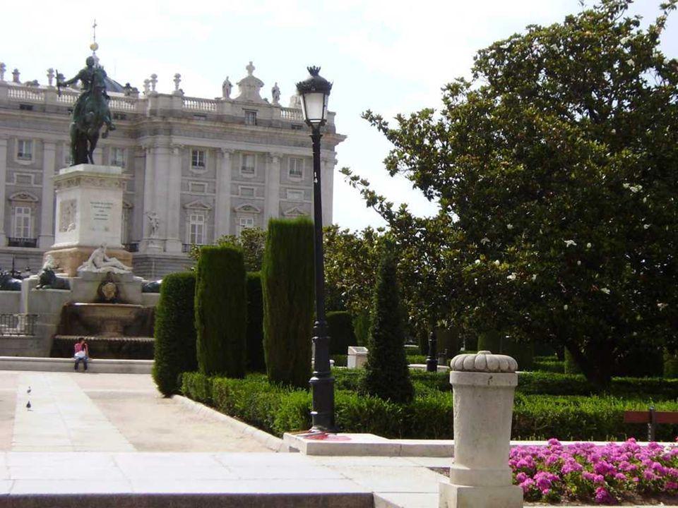 Masonería y Misterios en la plaza de Oriente (Madrid) El emplazamiento sobre el que reposa el Palacio de Oriente de Madrid siempre ha estado asociado