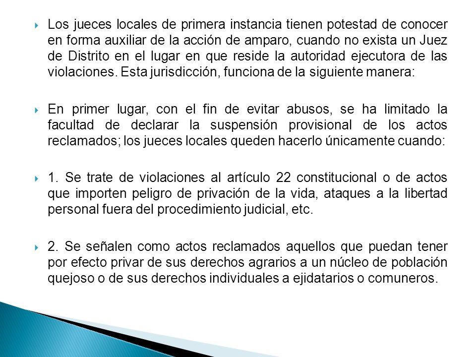 En segundo lugar: la actuación de los jueces de primera instancia se concreta a lo siguiente: 1.